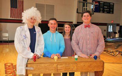 Middle School Holds Einstein Contest